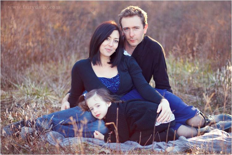 reportage photo famille par fairydaily, exterieur, petite fille, robe bleu