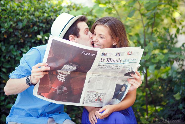 fairydaily, le monde, couple, bisous, se cacher derriere le magazine